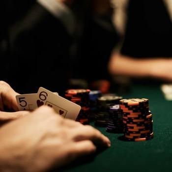 Как играть в покер: игра мелкими парами, часть 1